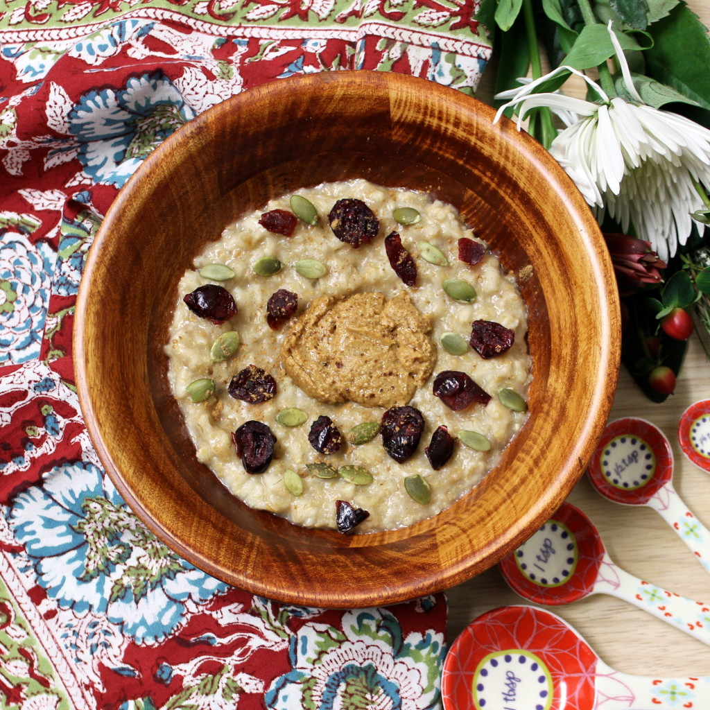 Maple Spice Oatmeal Bowl of Goodness