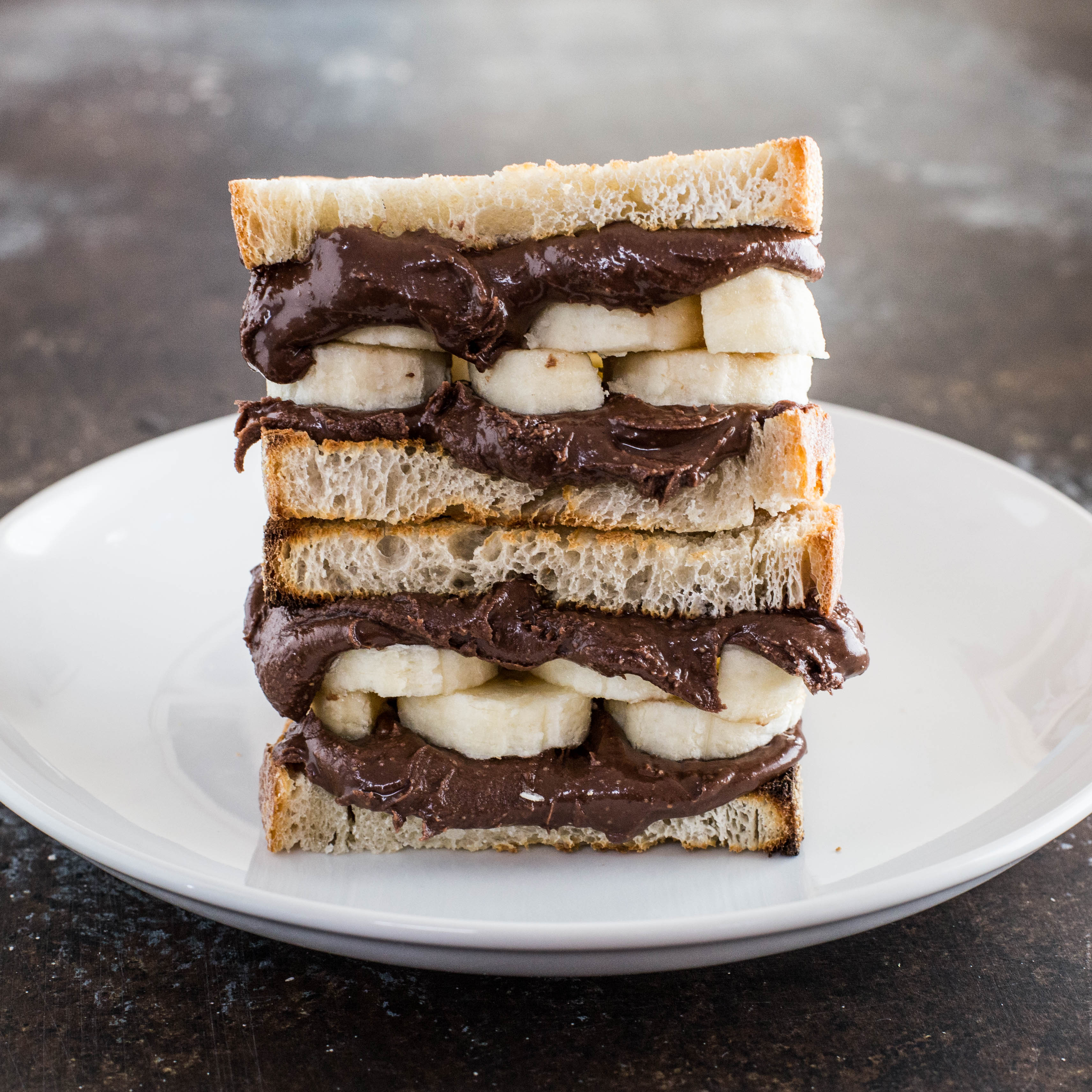 Grilled Chocolate Peanut Butter Banana Sandwich